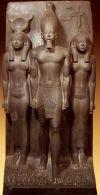 Египетский стиль в интерьере, с использованием древних рельефов