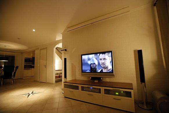 Плоский телевизор в интерьере