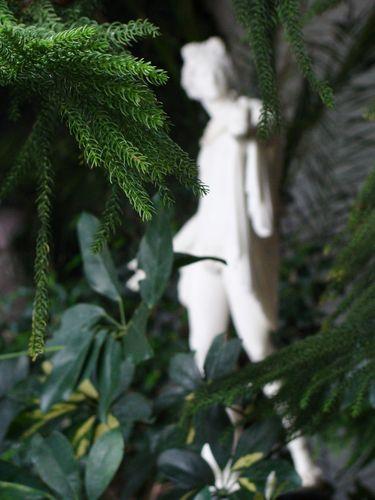Статуя в Зимнем саду