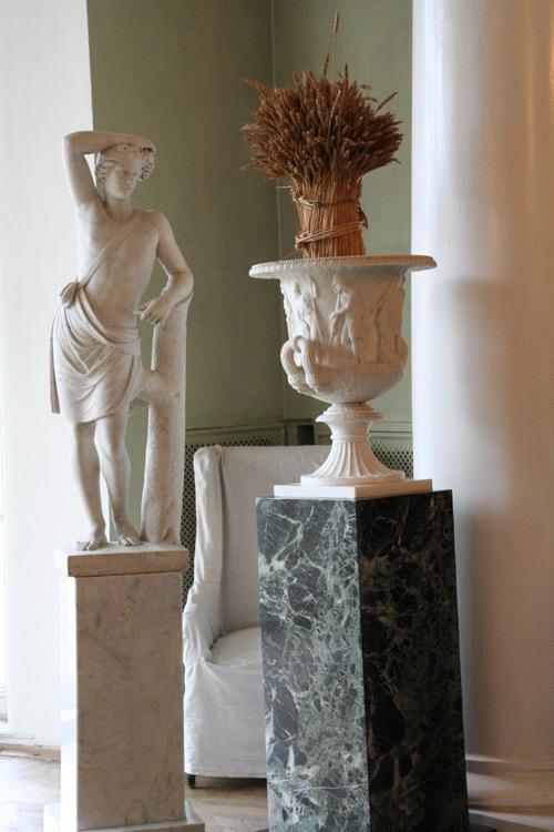Античная скульптура в Зимнем саду