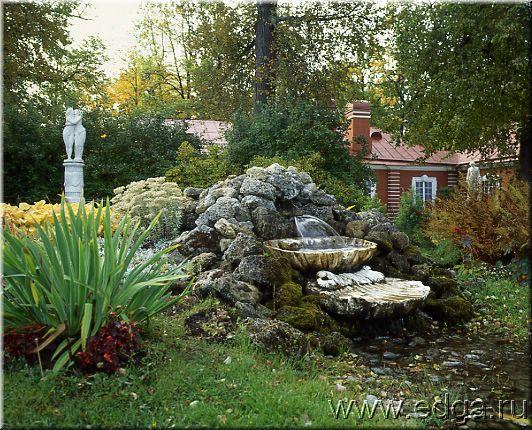 Фонтан в китайском саду