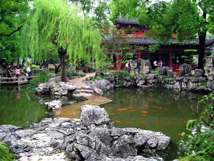 Пруд в китайском саду