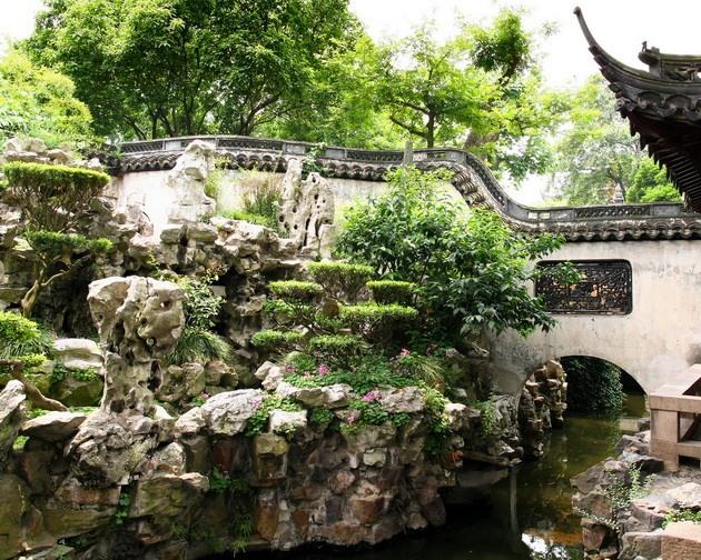 Горы весны в парке Гэюань