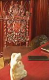 Готический интерьер в центральной комнате